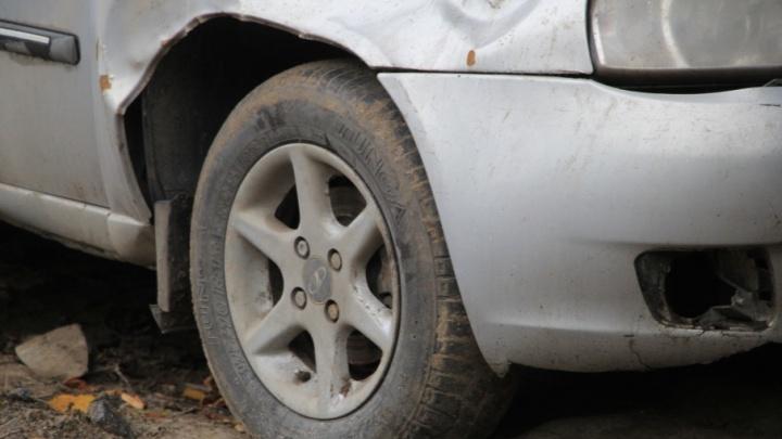 В Котласе погиб не справившийся с управлением водитель