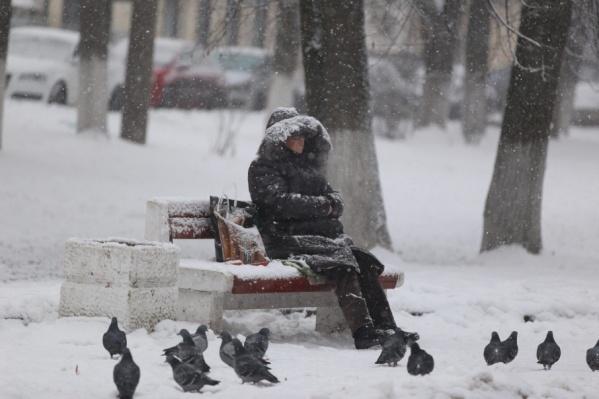 Ждать зимой транспорта без крыши над головой не очень-то комфортно