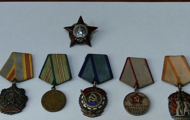 В Ростове мужчину оштрафовали за незаконные советские награды