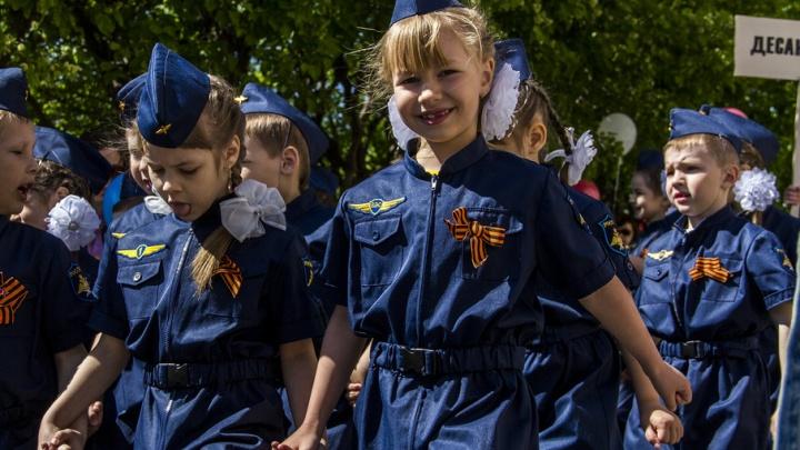 Будущие победители: в Ростове состоялся парад детских войск