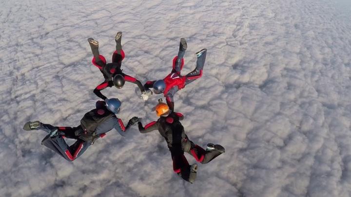 Сальто и спираль: самарские парашютисты  готовятся к чемпионату Вооруженных Сил