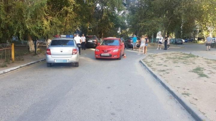 Восьмилетняя девочка попала под колеса «Мазды» в Волгограде