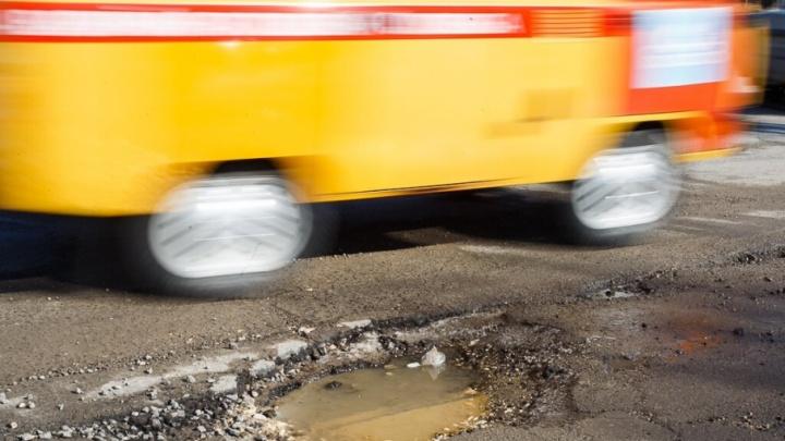 На Третью Продольную магистраль Волгограда начали класть финальные слои асфальта