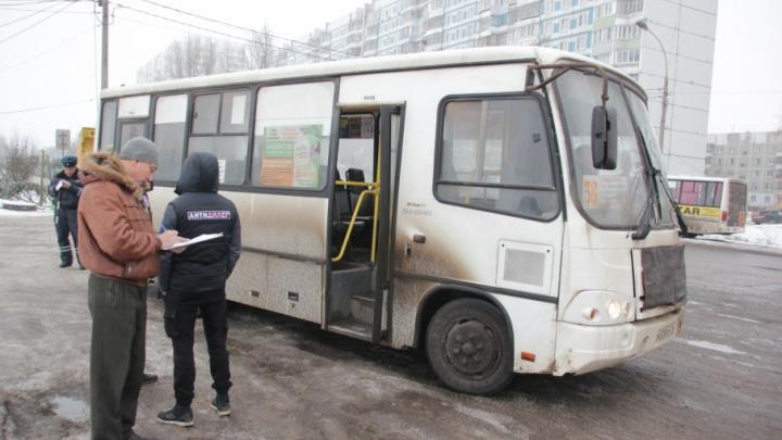 Ярославские маршрутчики попались на лысой резине