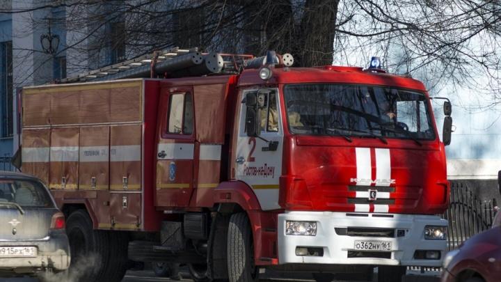 На Дону два человека погибли при пожаре