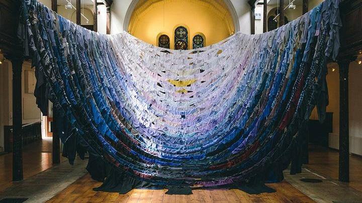 В музее PERMM состоится творческая встреча с художницей, создающей инсталляции из одежды