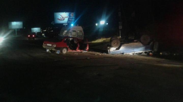 УАЗ опрокинулся на крышу после удара о ВАЗ на трассе под Миассом