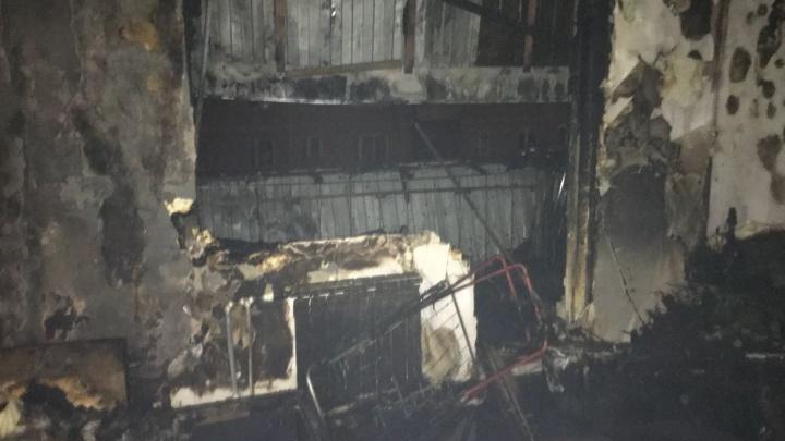 """""""Люди кричат"""": в посёлке Садовый в квартире произошёл взрыв и вылетели окна"""