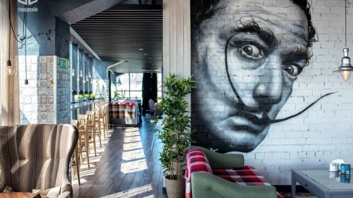 Там, где люди видят сладкие сны: добро пожаловать в панорамный бар «Чердак»!