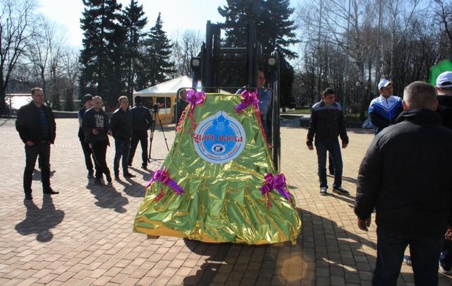 Царь-пасху весом полтонны приготовили в Ростове