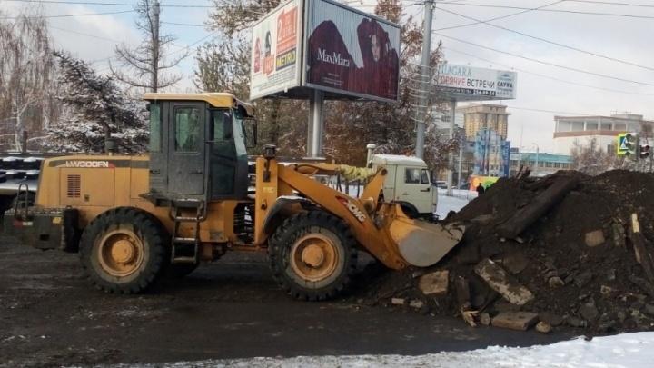 Из-за ремонта трамвайных путей в Челябинске образовался серьезный затор