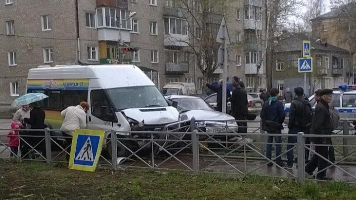 Водителя маршрутки, сбившего насмерть пешехода в Перми, заподозрили в подделке водительских прав