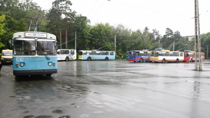 В Тракторозаводском районе троллейбусы встали в пробку