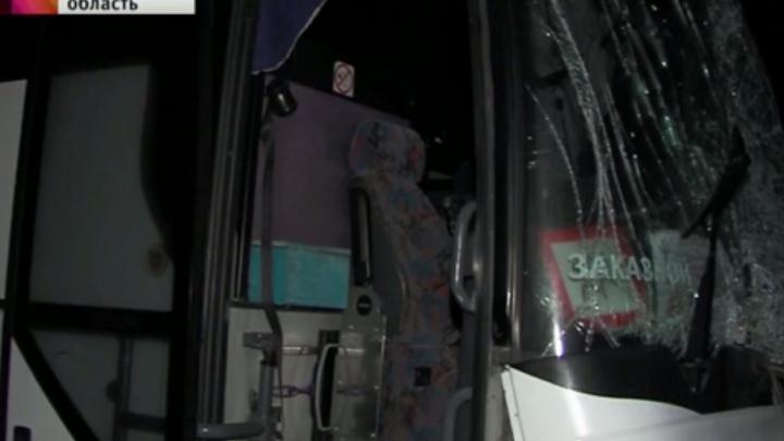 Водителя грузовика, который врезался в автобус с детьми, задержали
