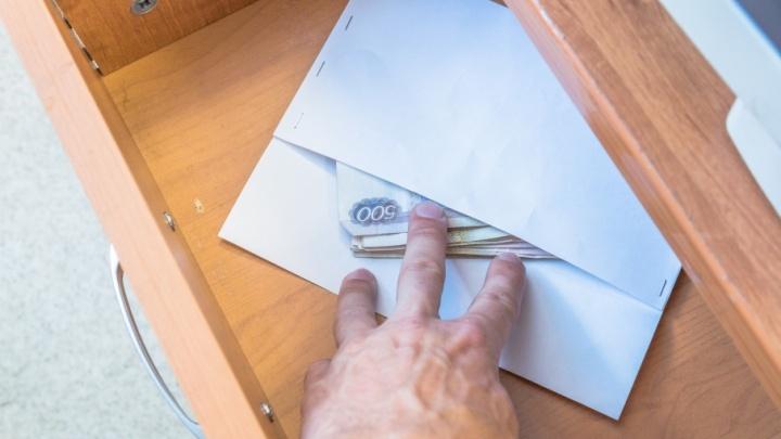 Средний размер взятки в Самарской области уменьшился до 80 тысяч рублей