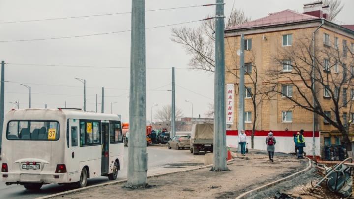 «Может, надо обратиться в органы?»: политики просят ускорить открытие улицы Луначарского