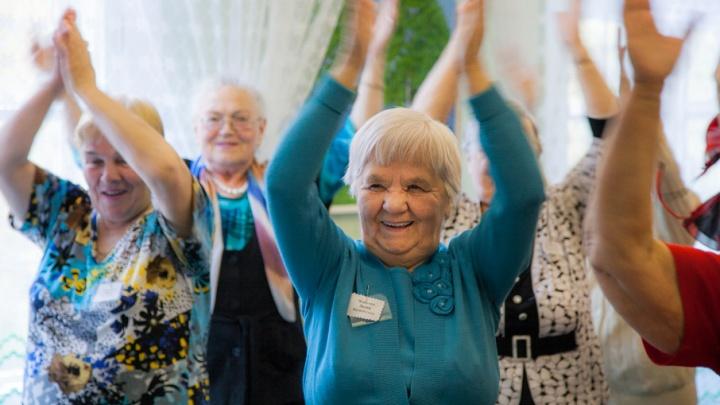 В Поморье для пожилых людей работает горячая линия по правовым вопросам