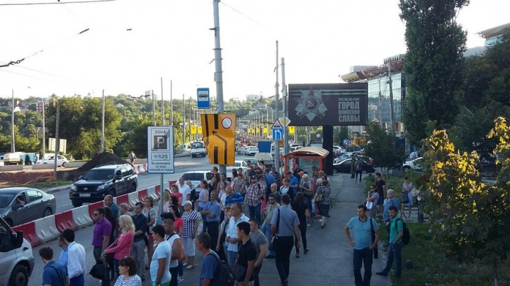 Транспортный коллапс в Ростове: жители Западного добирались домой часами