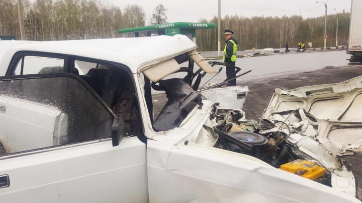 Двое пенсионеров погибли в ДТП на трассе М-5 в Челябинской области