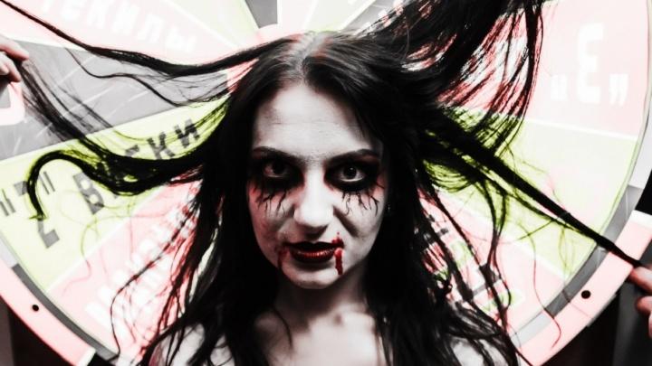 Happy Helloween! Ярославцы пугали народ страшными костюмами