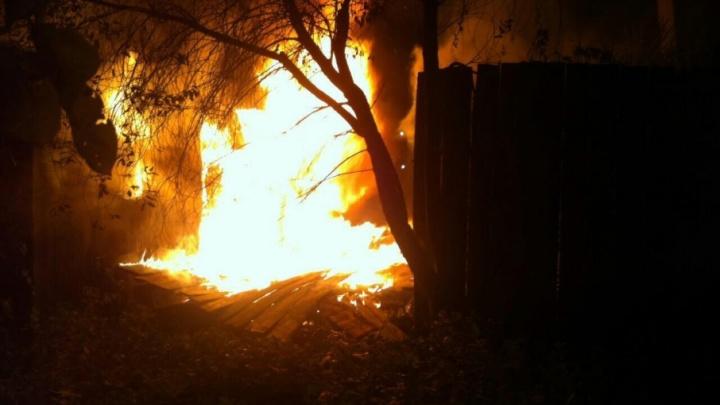 В Ярославской области полицейские помогли семье спасти дом во время пожара