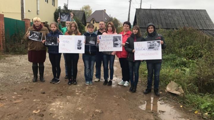 «На Первом канале нас облили грязью»: супруга осужденного за секс с падчерицей пермяка вернулась в Пермь