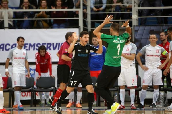 Тюменцы выиграли у новосибирцев вторую игру подряд