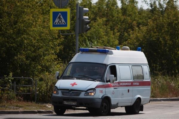 Сбитого на пешеходном переходе подростка увезли в больницу