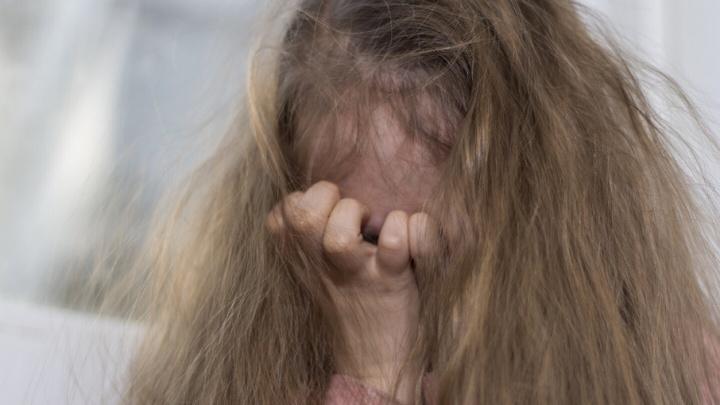 На Дону замгендиректора фирмы на остановке и в подъезде совратил троих детей