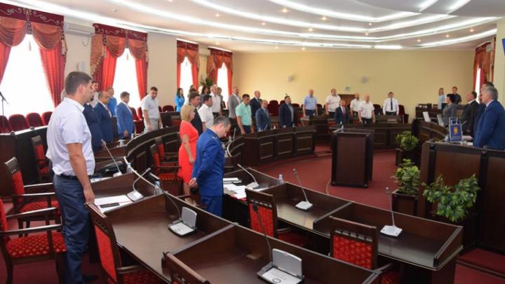 В Шахтах пять депутатов городской думы досрочно сложили свои мандаты
