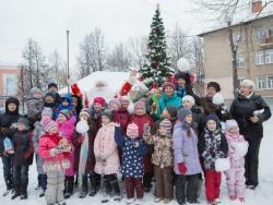 «Славнефть» и ЯНОС поздравили детей с Новым годом и Рождеством