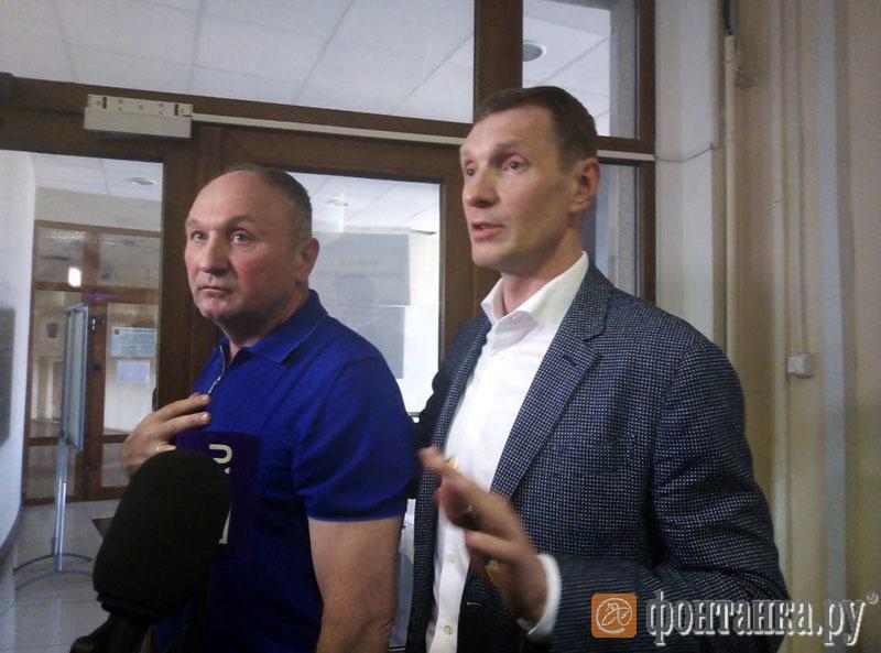 Александр Дацышин с адвокатом