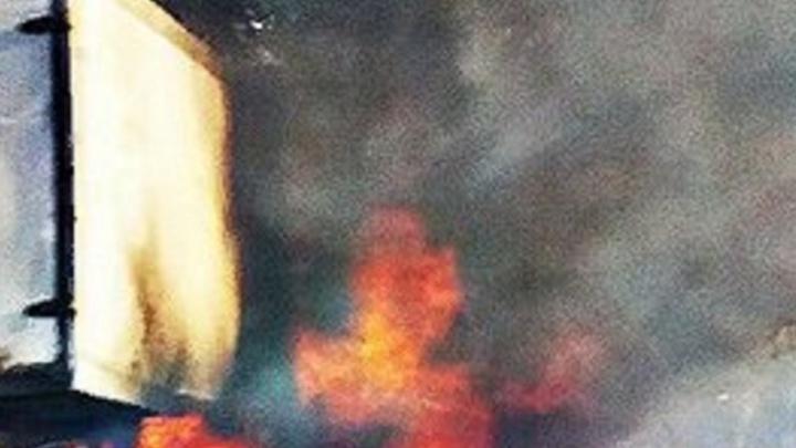 «Газель» вылетела с дороги и загорелась на трассе Ростов–Волгодонск