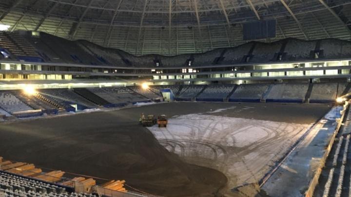 Голое поле: на стадионе «Самара Арена» разобрали парник