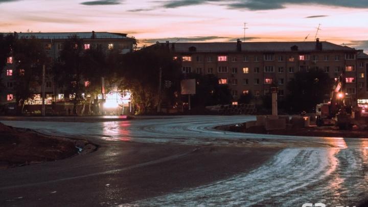 «Замыкая эллипс»: на Московском/Луначарского завершают строительство развязки