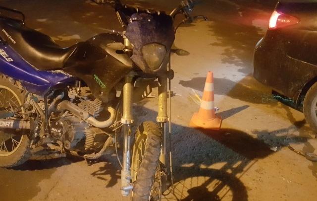 В Челябинской области женщина на Hyundai сбила 17-летнего мотоциклиста