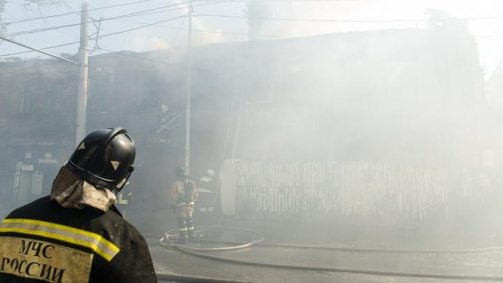 На Дону при пожаре в частном доме погибли две женщины