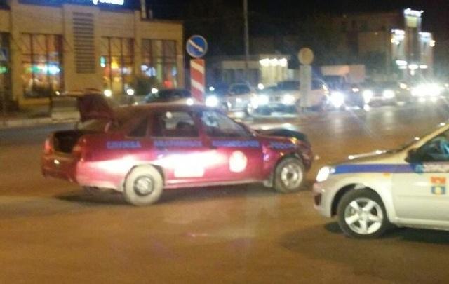 В Волгограде машина аварийных комиссаров попала в ДТП
