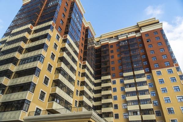 Из-за хулигана жильцам многоэтажки теперь придется ходить пешком