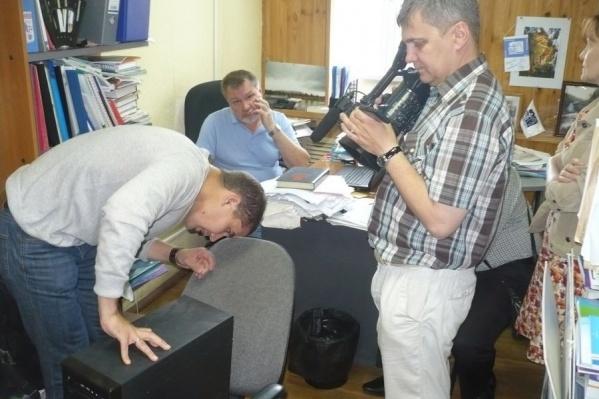В ходе обыска полицейские изъяли несколько компьютеров