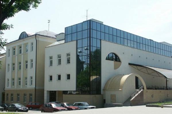 5-я школа стала одним из центров размещения погорельцев