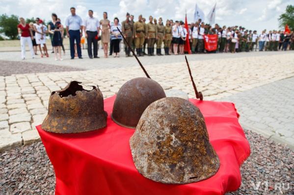 Напоминаний о войне в полях под Волгоградом хватит еще нескольким поколениям поисковиков