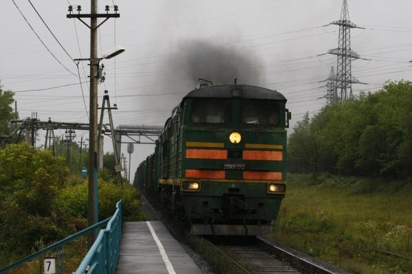 Поезд поехал дальше  без машиниста-должника