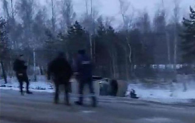 Под Тюменью около села Киево столкнулись Lada и Hyundai, двоих доставили в больницу