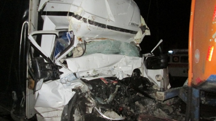 В Ярославской области столкнулись два грузовика: есть пострадавшие