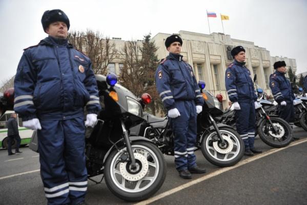 Полицейские отметили праздник на Советской площади