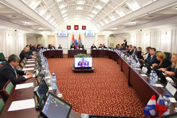На зарплату управляющим микрорайонов из бюджета изыщут 129 млн рублей