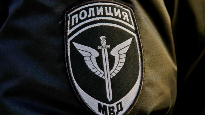 Полёт в Чехию отменяется: инженера МУП ЧКТС задержали за откаты и изъяли у него пачки долларов