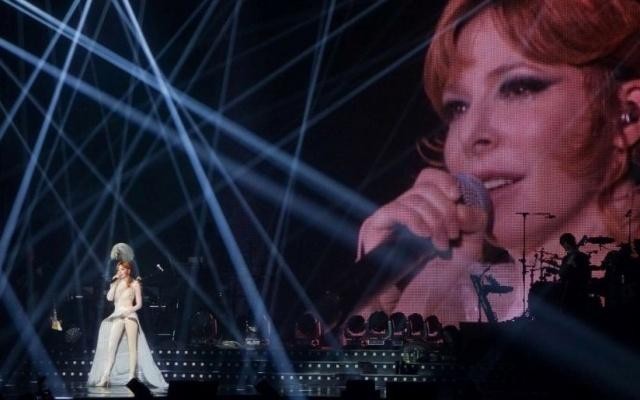 Милен Фармер расплакалась прямо на концерте