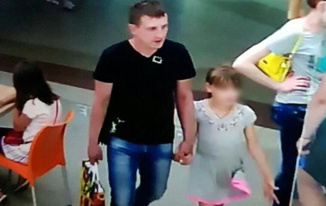 Волгоградец с дочкой, похитивший дорогой мобильник в «Диаманте», задержан полицией